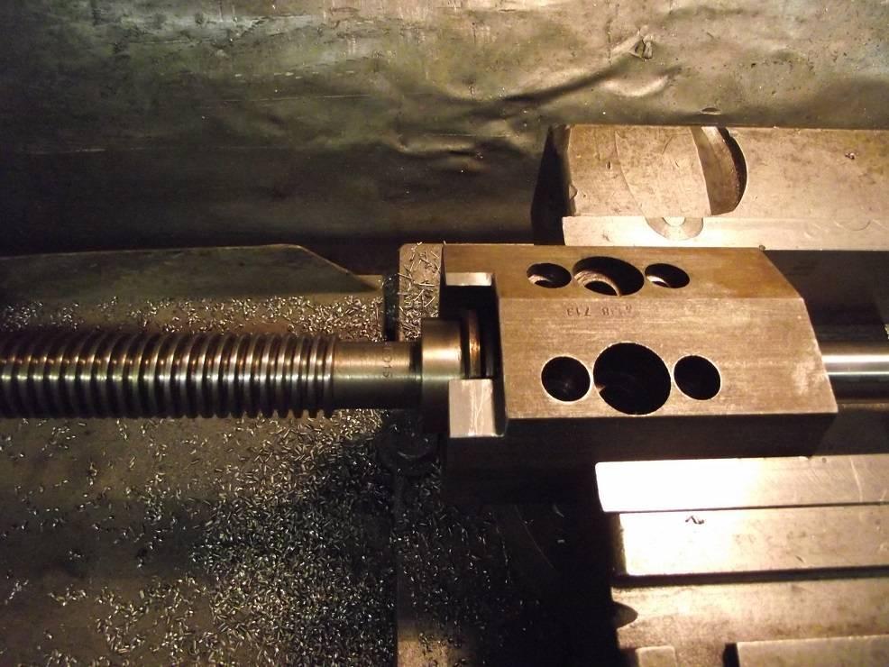 042 ZHV1 Usinage dégagement palier Vis 2.jpg