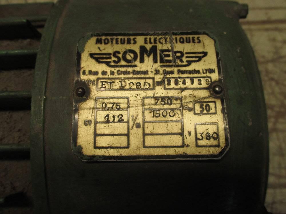 07_moteur 04 plaque.JPG