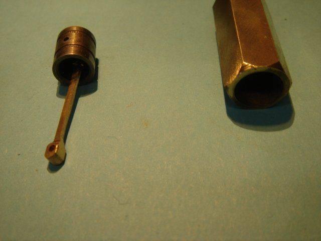 18 piston embièlé et cylindre.JPG