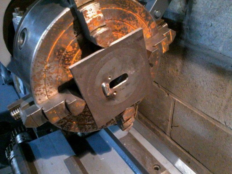 3. Usinage du pion cassé après rechargement..jpg