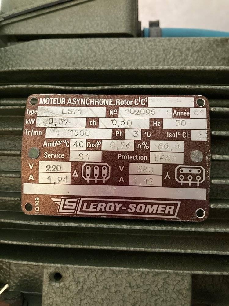 5 plaque moteur.jpg