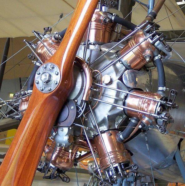 593px-Emile_Salmson_watercooled_radial_engine_1915.jpg