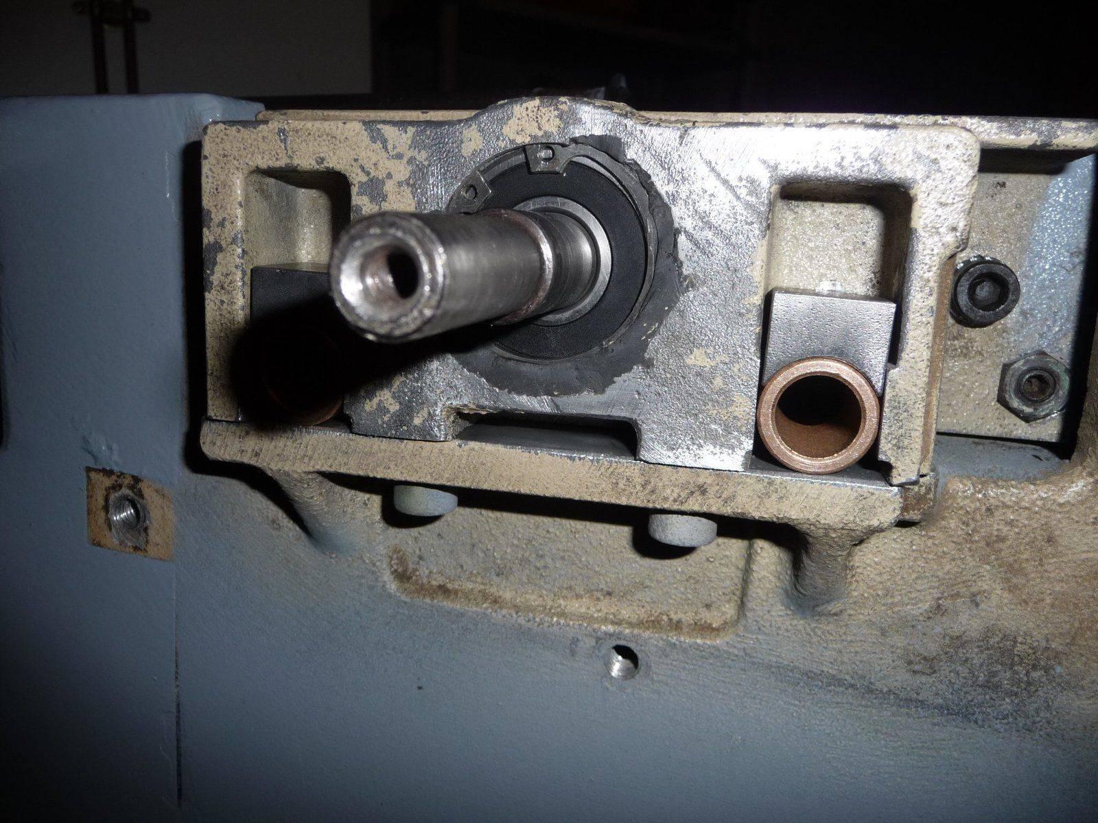6 changement de toutes les bagues bronze et fabrication d'étrier pour bloquer celle-ci.JPG