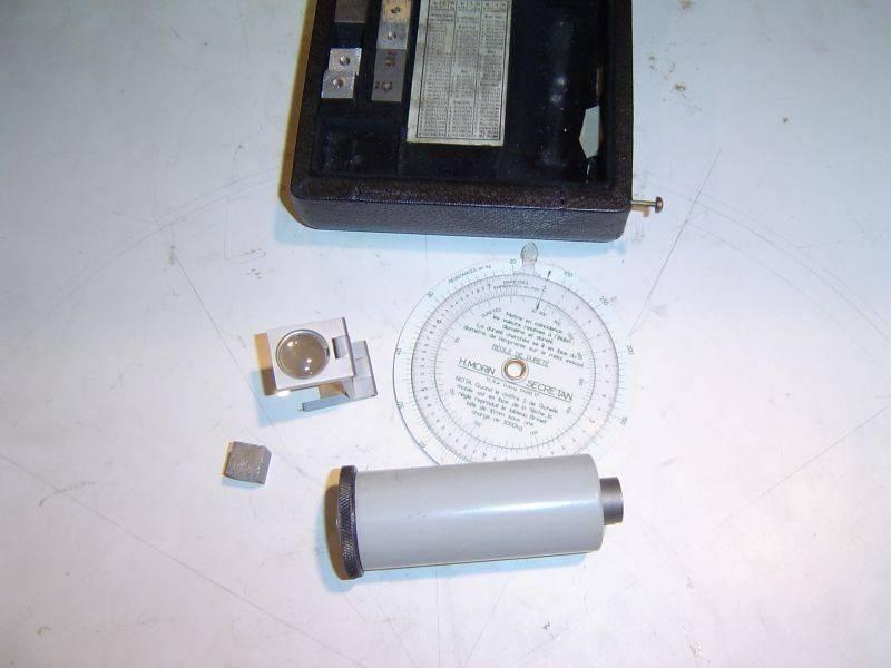 appareil essai brinell 003.jpg