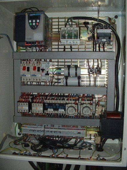 armoire électrique fraiseuse refit resampled.jpg