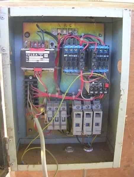 armoire electrique.jpg