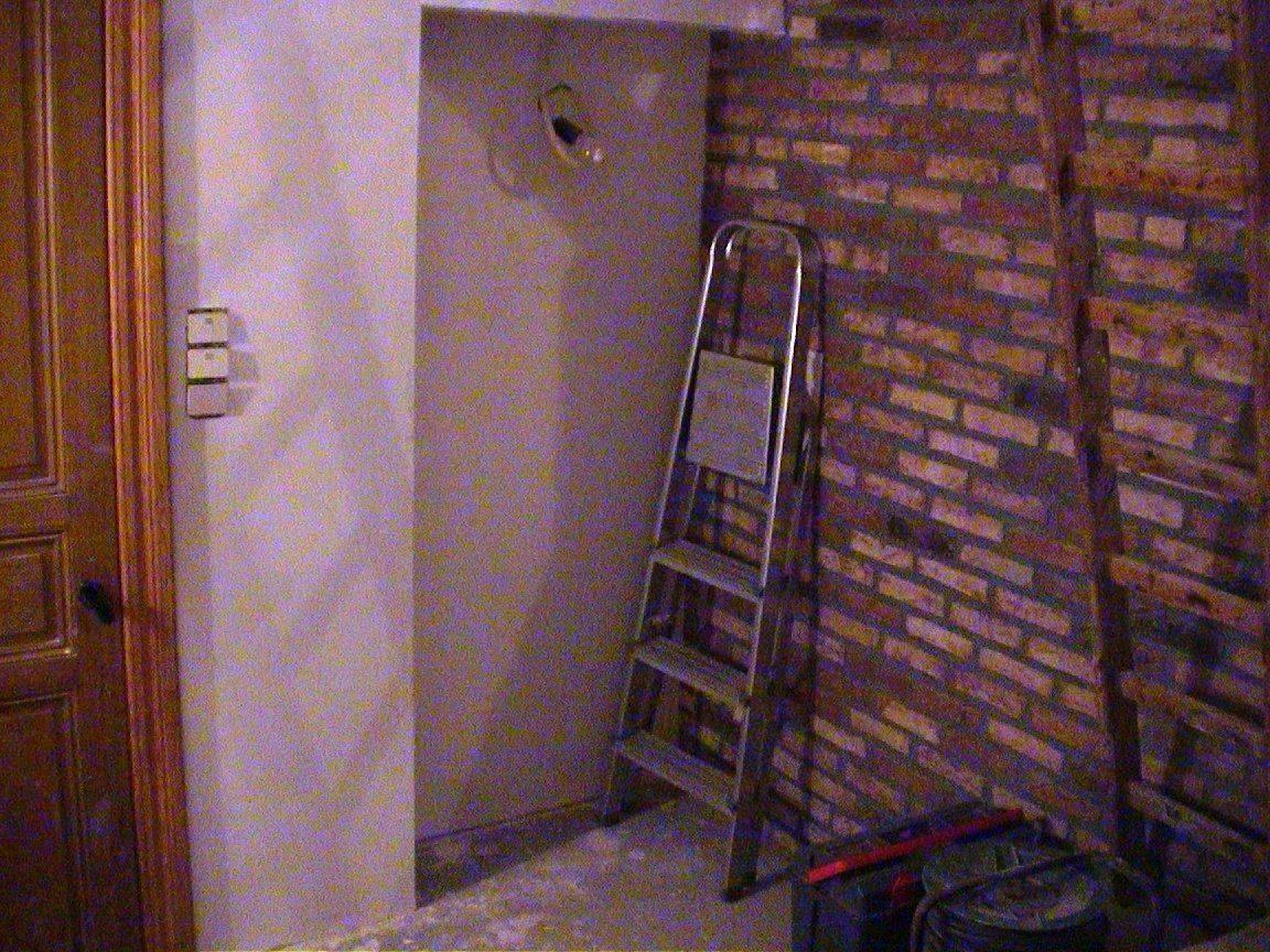armoire et mur verspremière medzanine .jpg