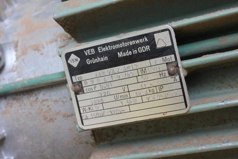aspirateur-robland-220V-03.jpg