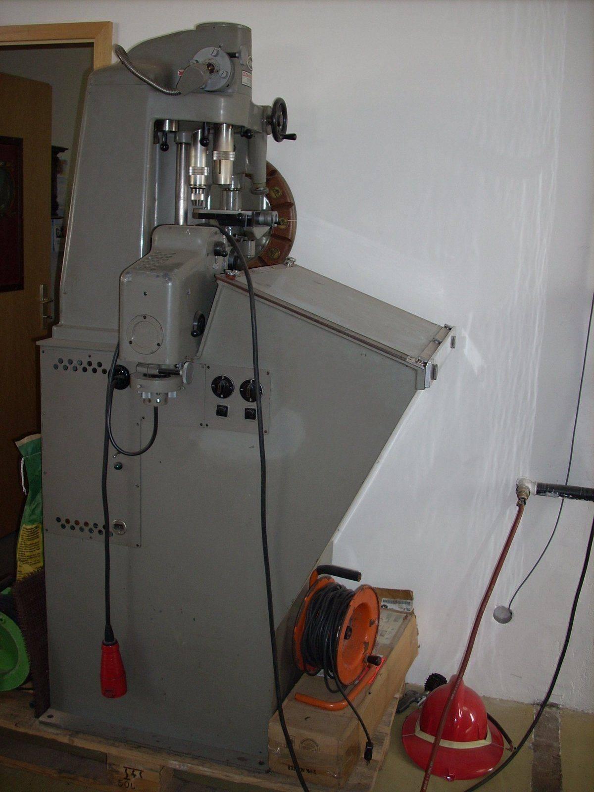 Atelier 2 005.JPG