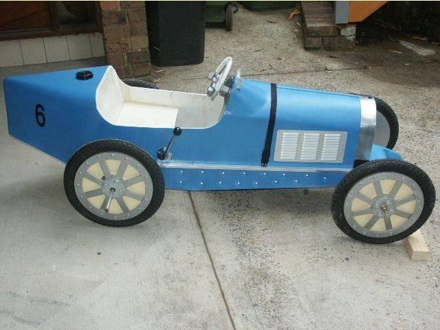 Capture Bugatti 35 à pédales côté droit.JPG