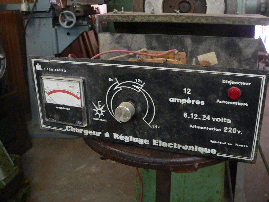 chargeur de batterie 1.jpg
