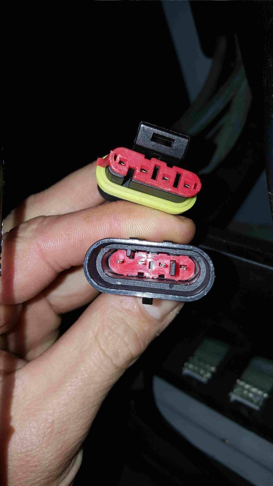 Connecteur étanche en deux.jpg