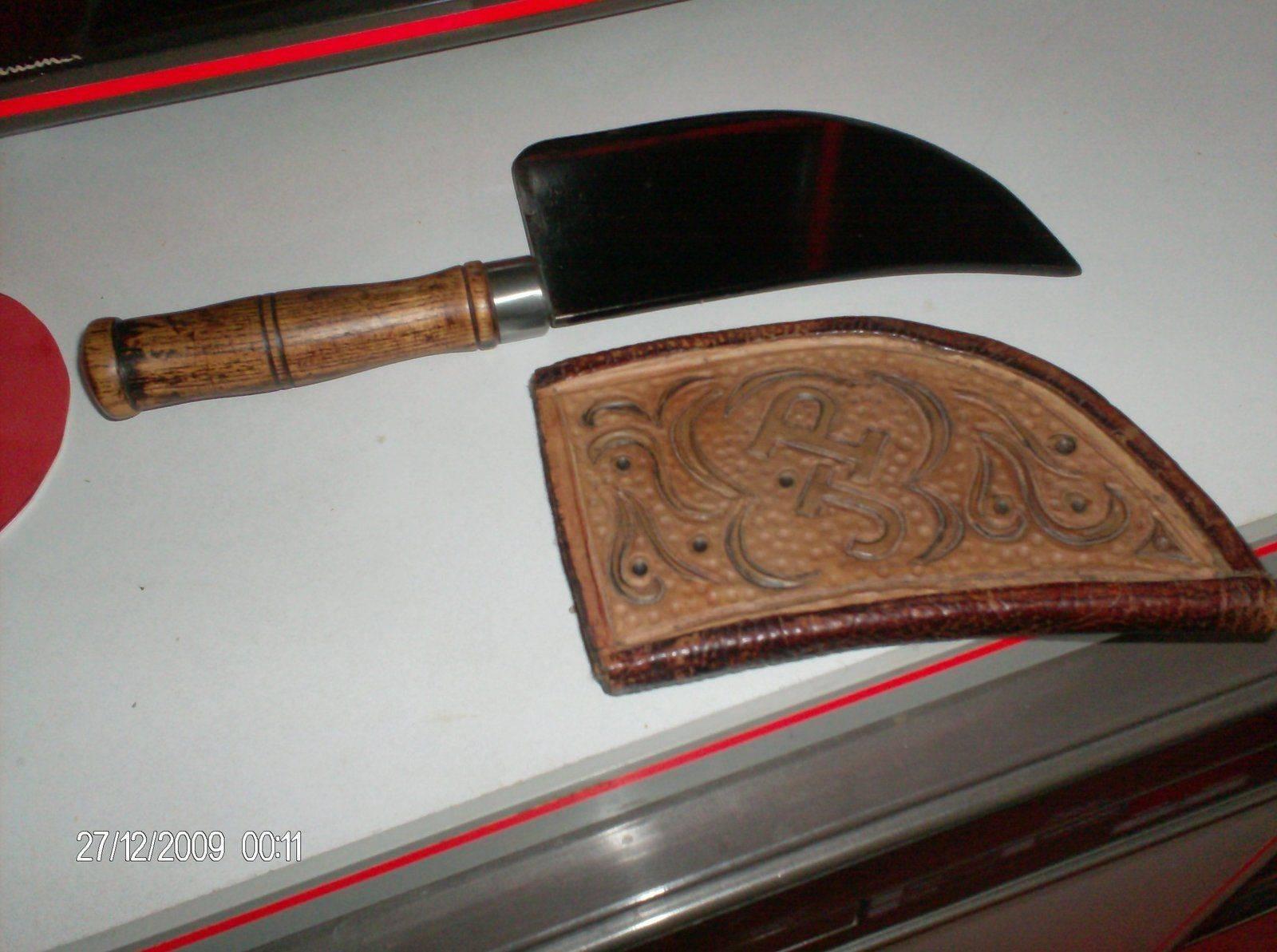 Couteau indien taillé dans une feuille de boucher.jpg