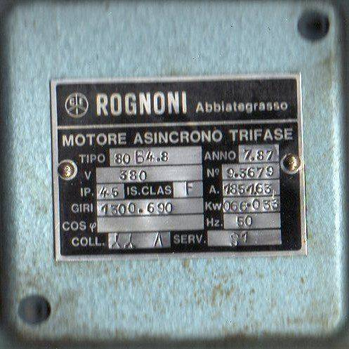 Couvrecle moteur001.jpg