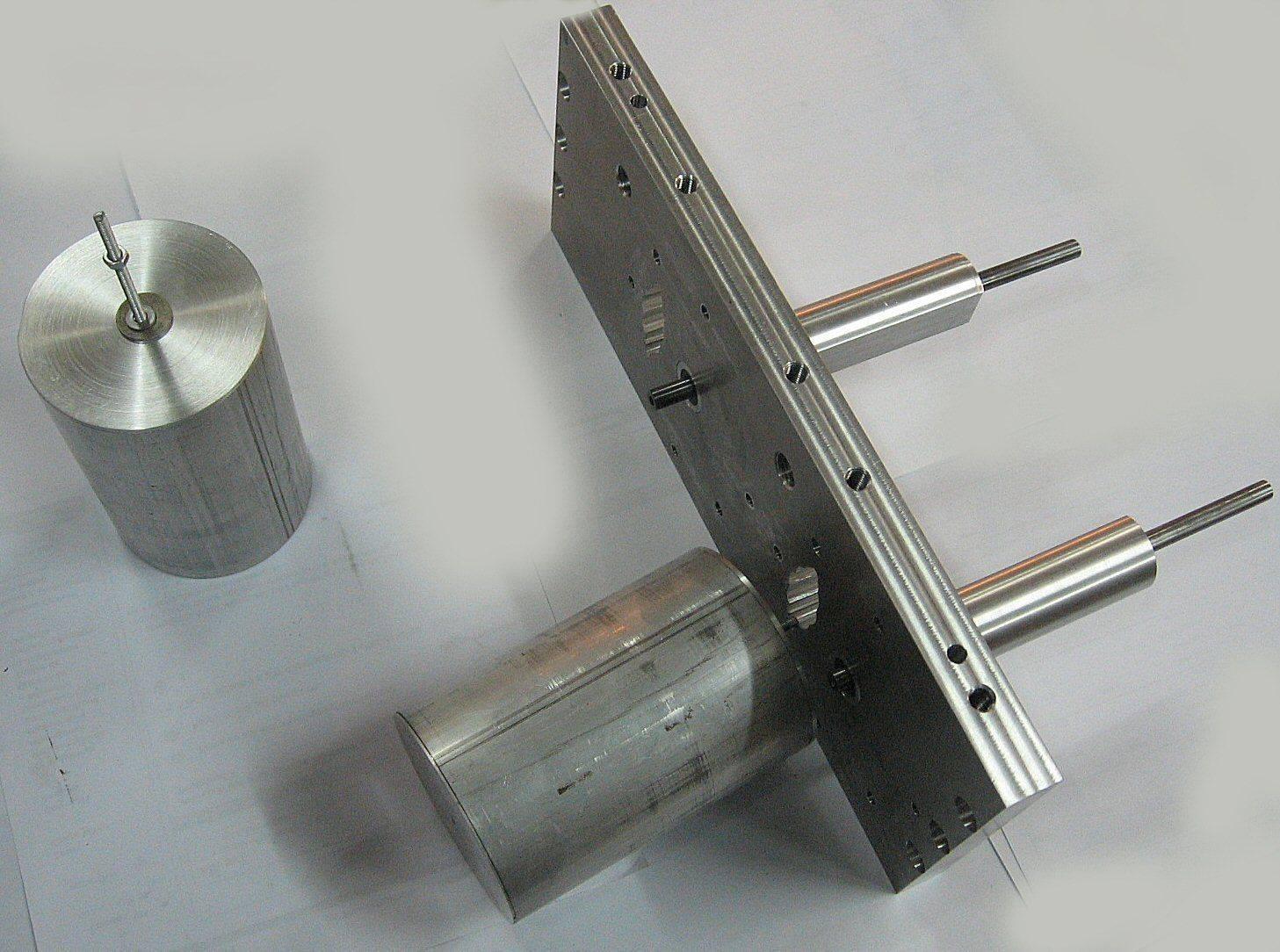 culasse stirling et pistons déplaceurs.jpg