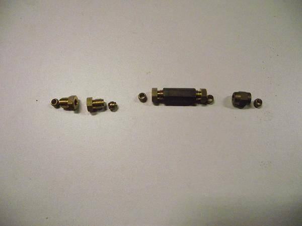 DSCF5977 élément Bijur pour Graissage Noix.jpg