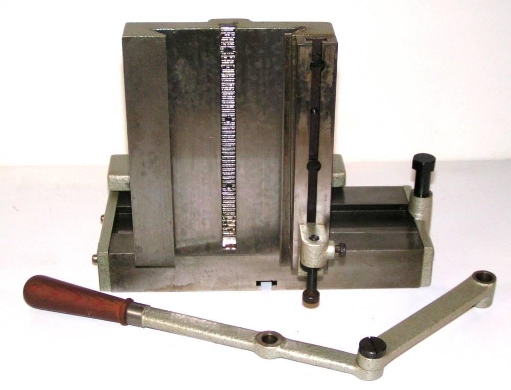 Equerre verticale et table horizontale vue dessous.JPG
