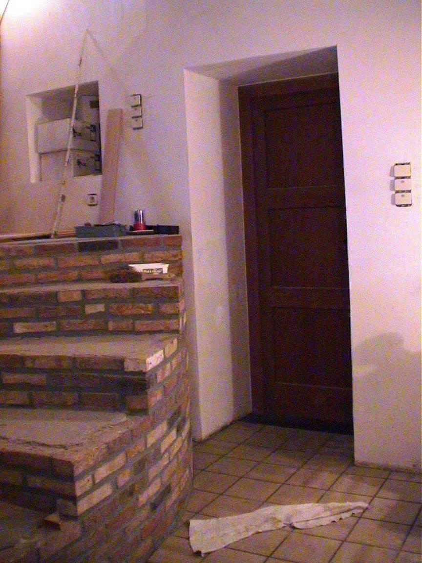 escalier et porte garage.jpg