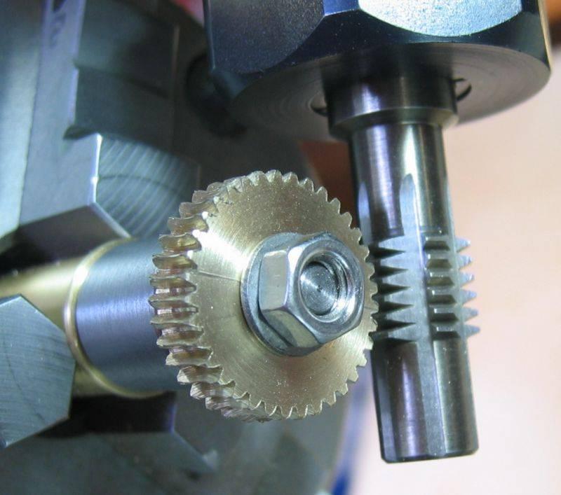 Gear-Hobber-m05-35.jpg