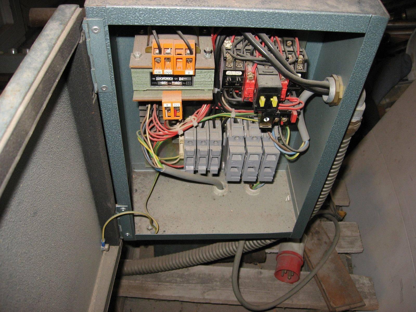 haulin 300P armoire electrique.jpg
