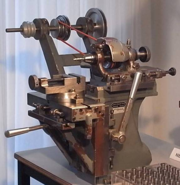 henri-hauser-bienne-swiss-small-milling-machine (1).jpg