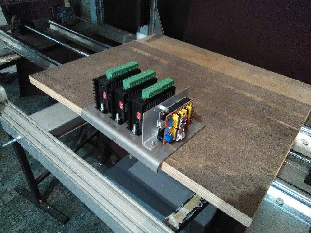 cartes pilote moteur + arduino + sheild CNC