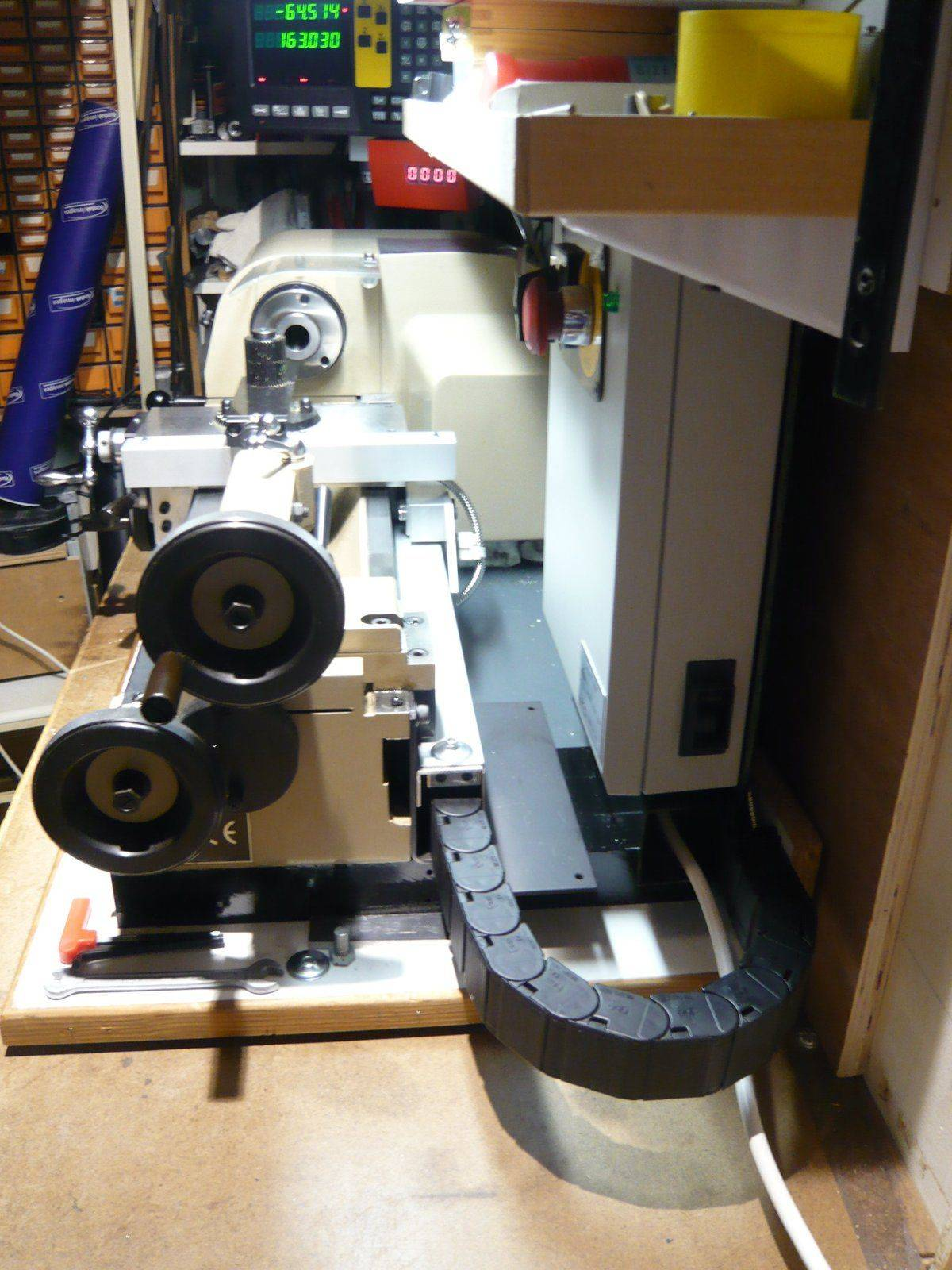 Lathe view from the right end.JPG