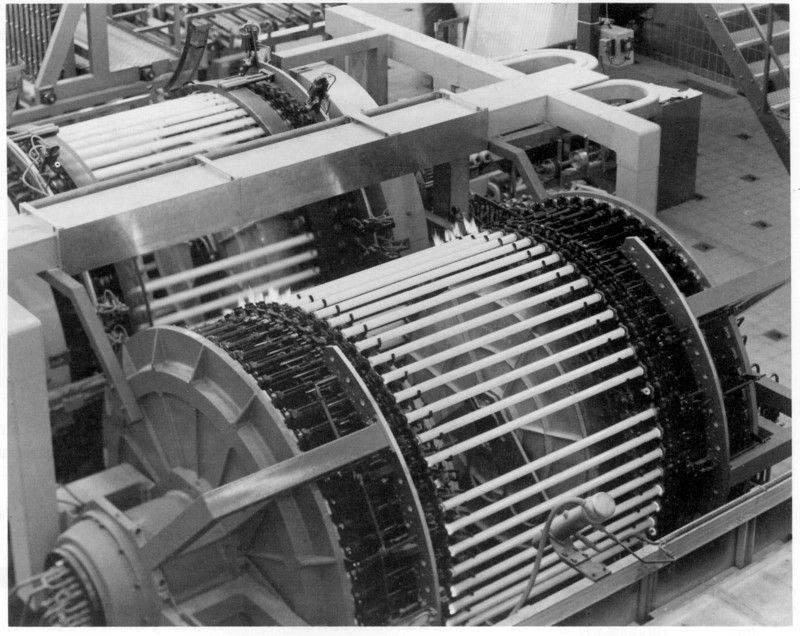 ligne produc tubes fluo.JPG