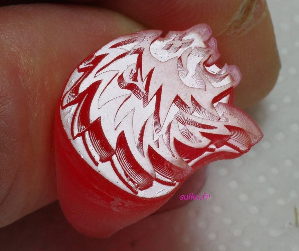 lion-plat.jpg
