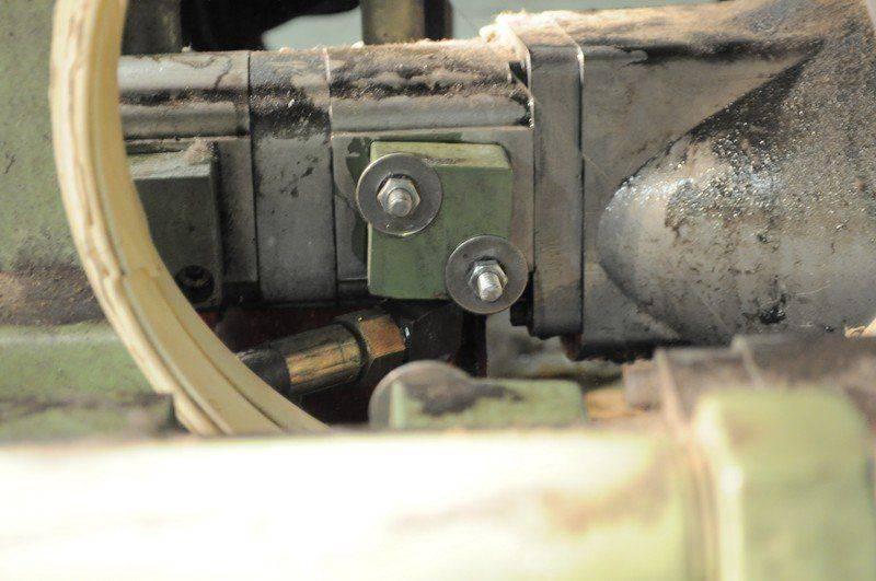 LVD cisaille ,probléme fuite huile collecteur pompe hydraulique 010.jpg