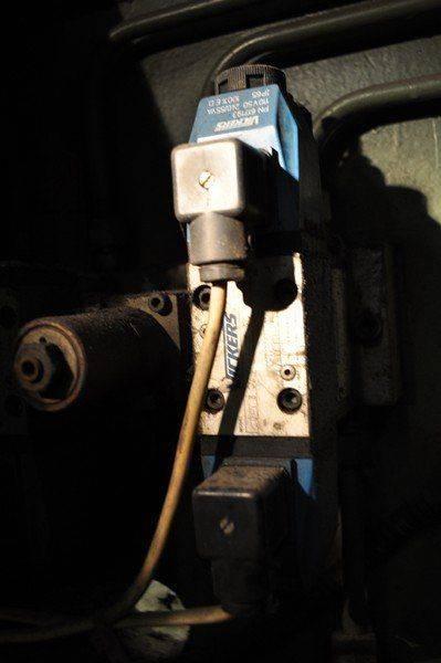 LVD cisaille ,probléme fuite huile collecteur pompe hydraulique 021.jpg