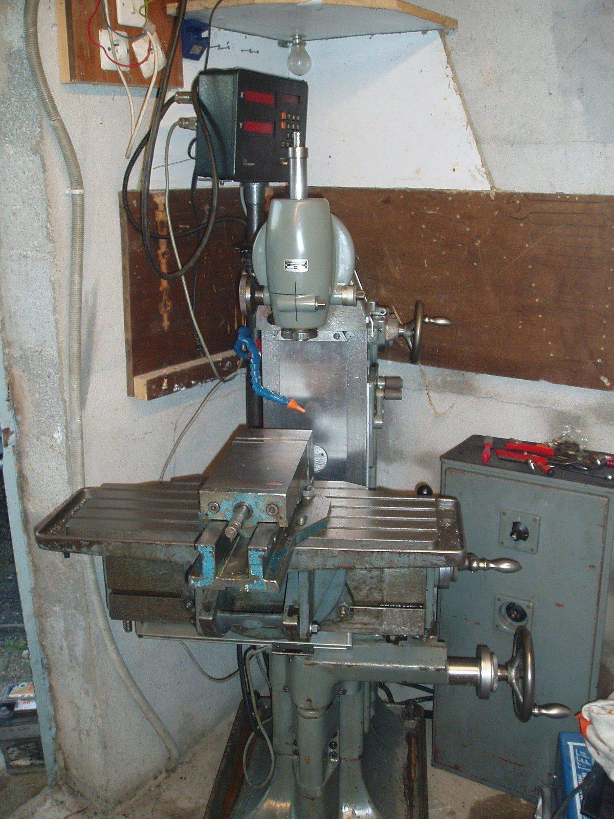 machine outil 001.jpg