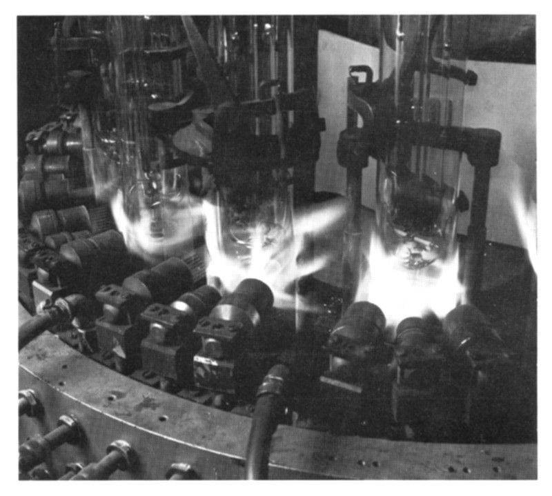 machines fabrique lampe sodium.JPG