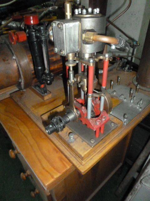 Monocylindre à vapeur 001.JPG
