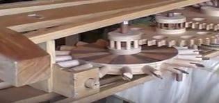 mouvement d'horlogerie en bois -1.JPG