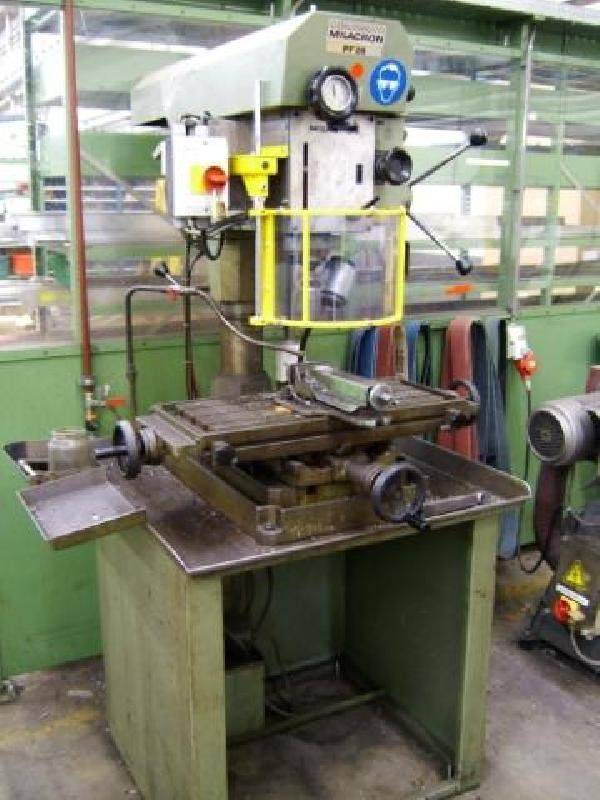 offer-cincinnati-pf-26-drilling-and-milling-machine-pe35874_2.jpg
