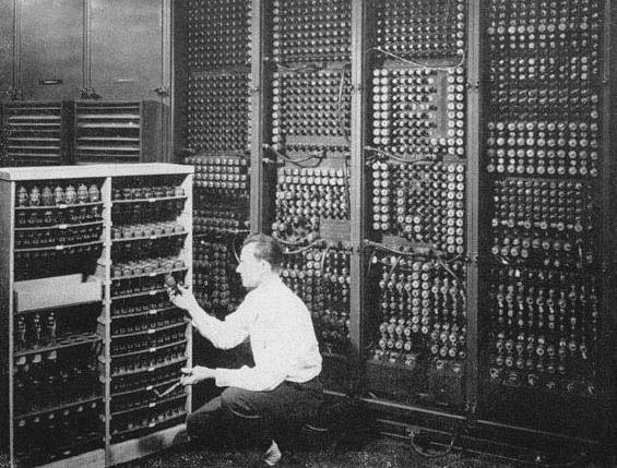 ordinateur a lampes.PNG