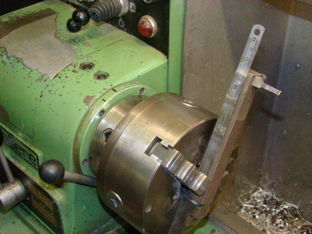 outil à trépanner monté sur le mandrin de 160.JPG