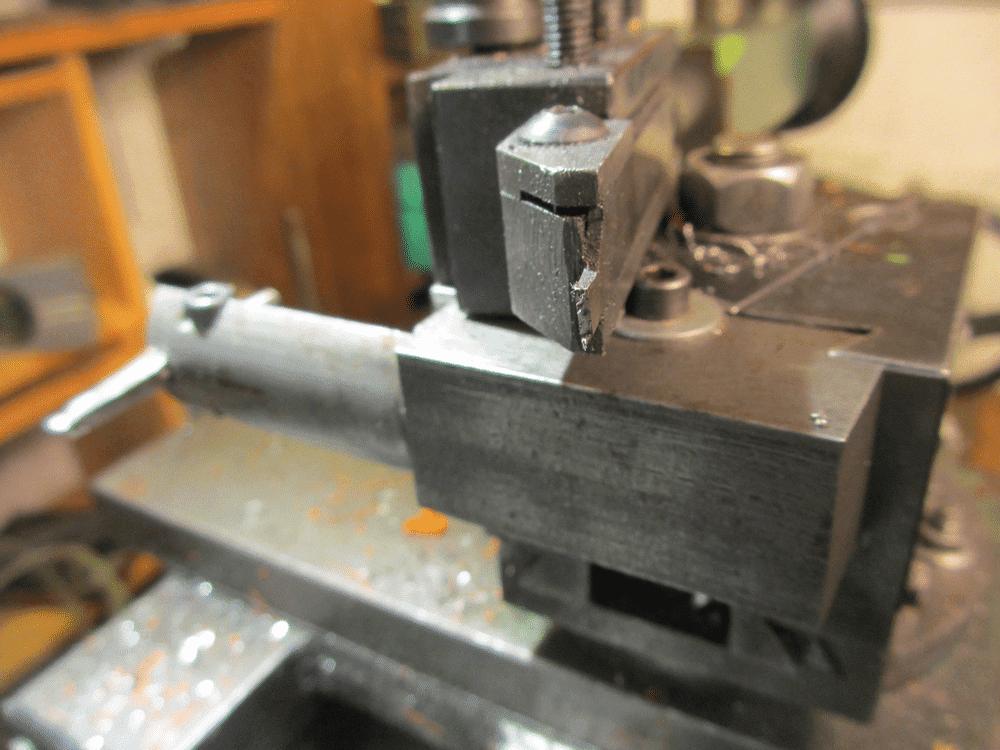 outils porte lame à tronçonner (2).png