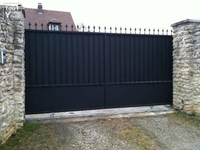 photo1-portail-coulissant-elia-de-3-00x1-80m-fer-forge-anti-corrosion-1-fx5x0x6w1342968.jpg