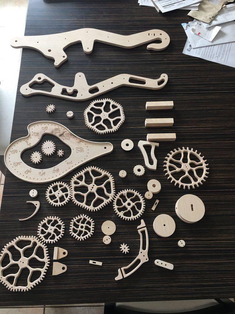 pieces horloge.JPG