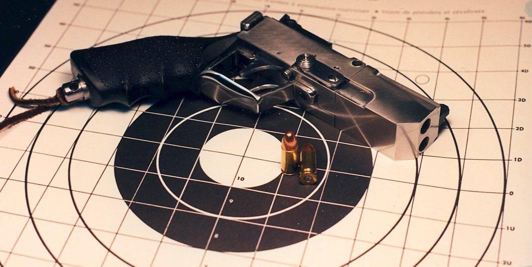 Pistolet, Russel-1.jpg