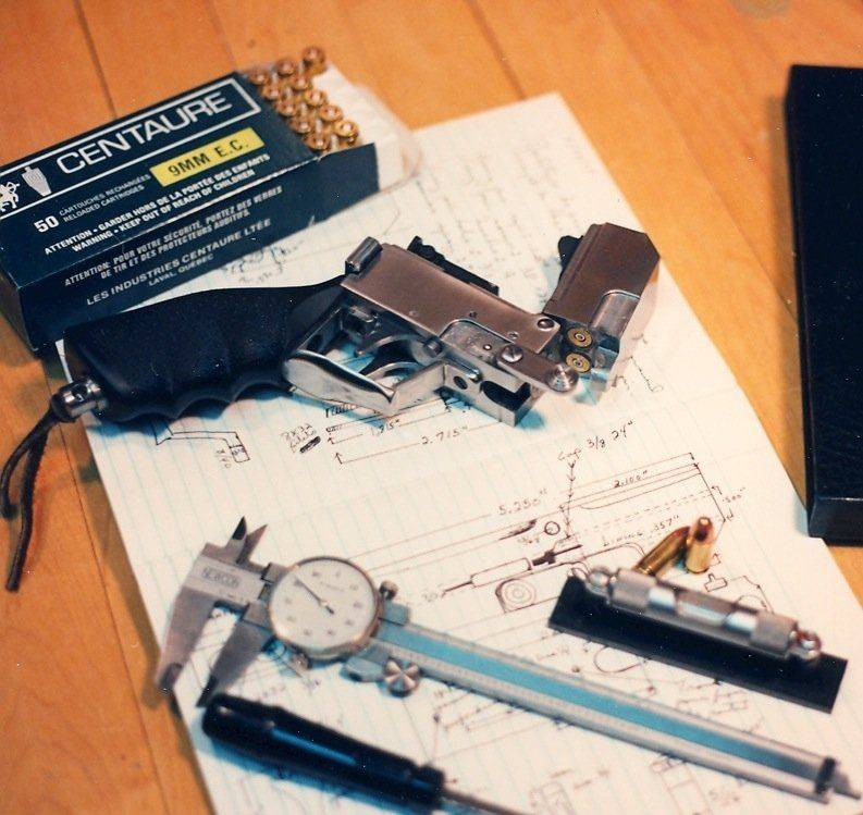 Pistolet, Russel-2.jpg