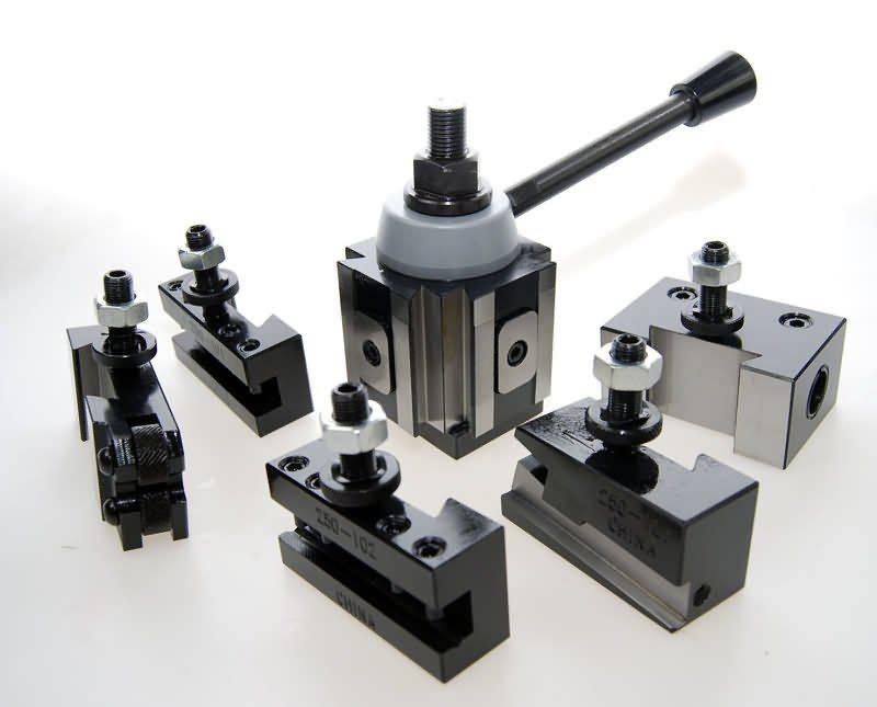 Piston Type Toolpost Small.jpg
