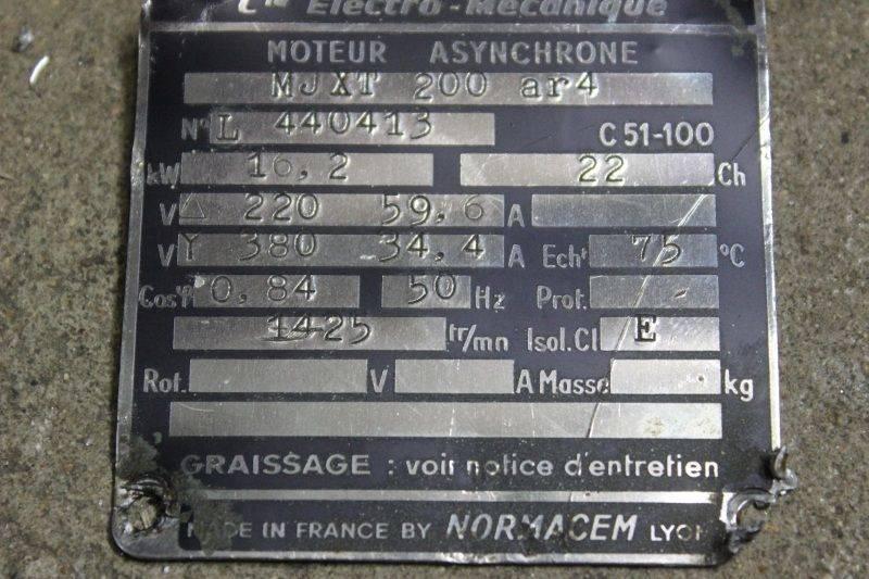 plaque moteur Jerome.jpg