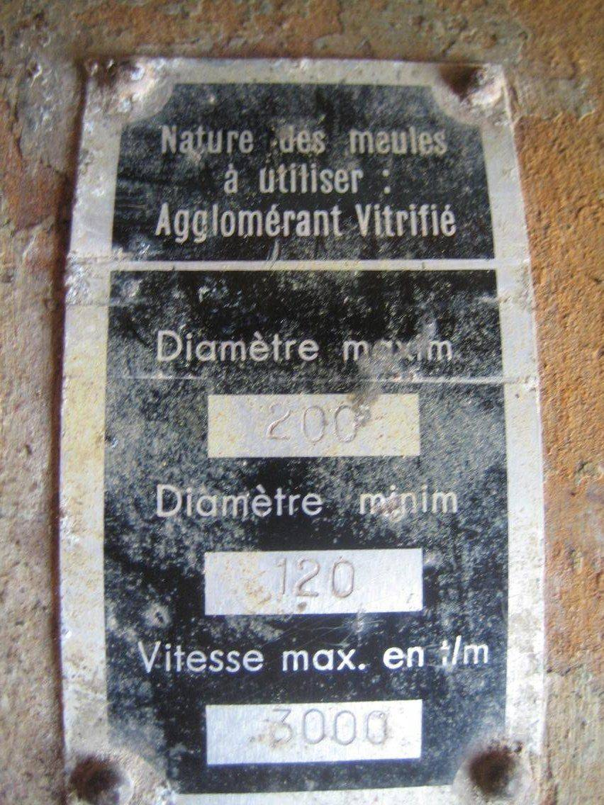 plaque_meule_avant.jpg