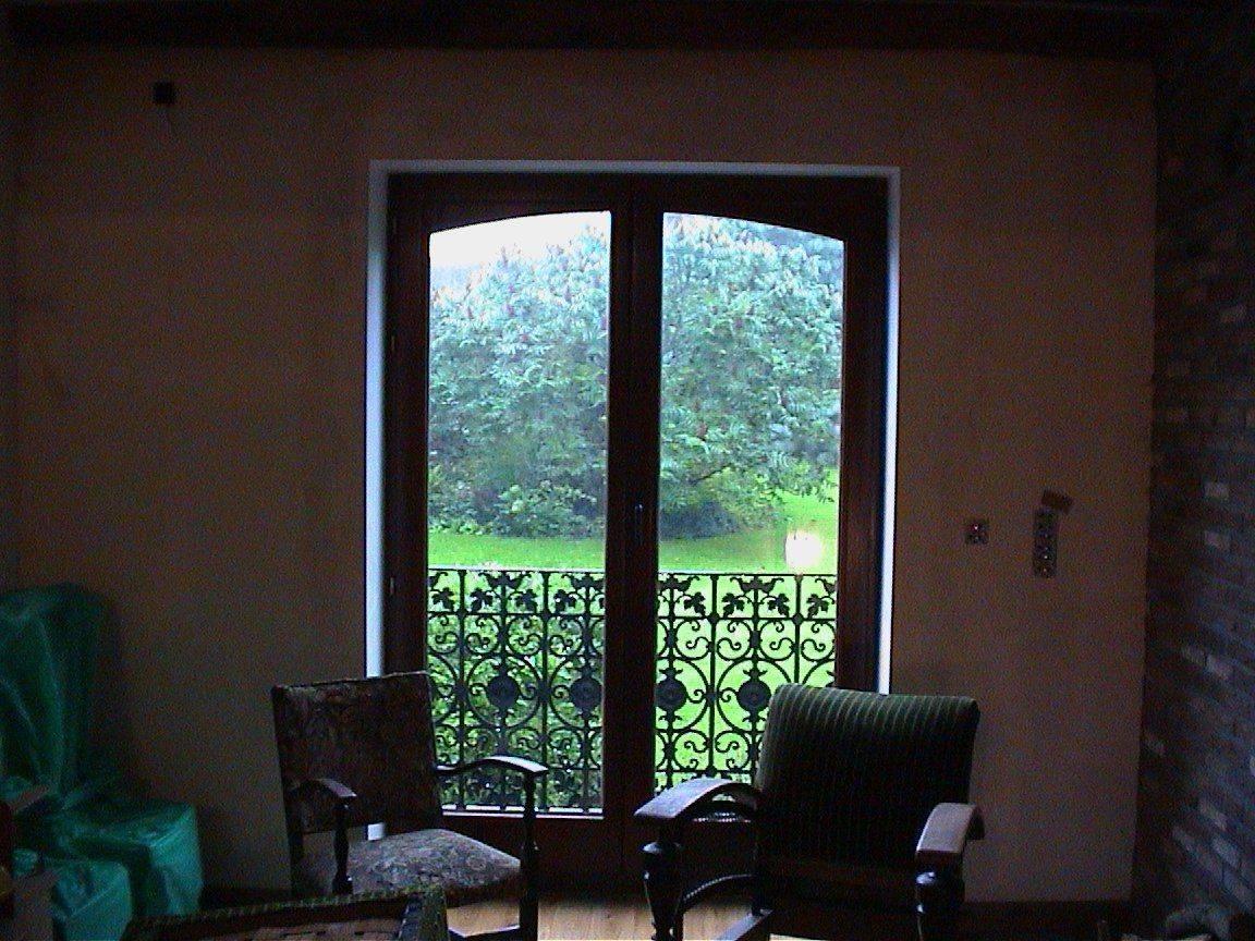 porte fenêtre vue jardin.jpg