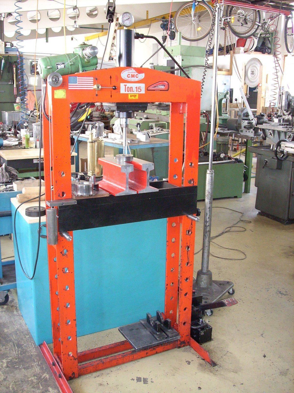 Presse 15 tonnes 001.JPG