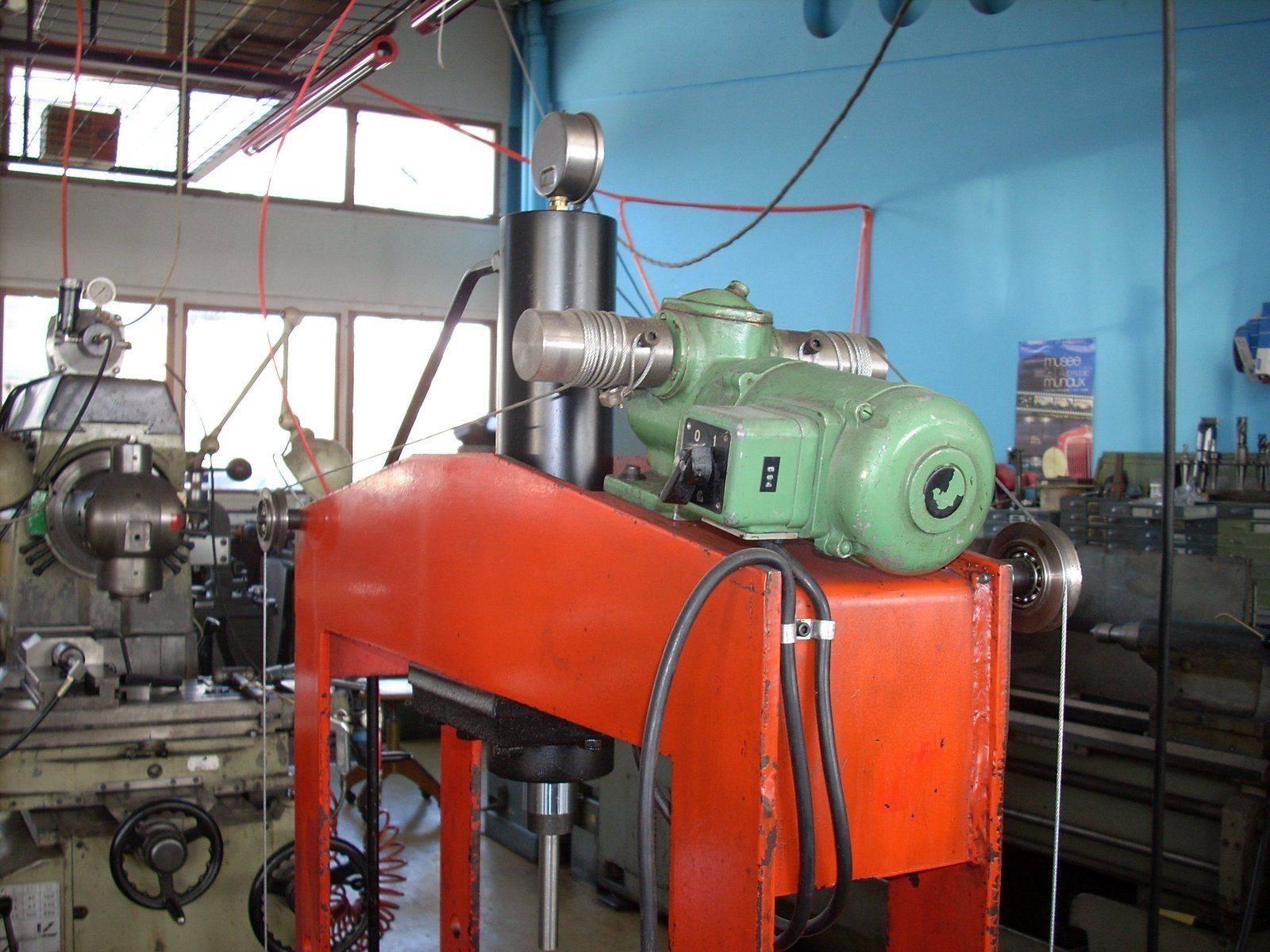 Presse 15 tonnes 003.JPG