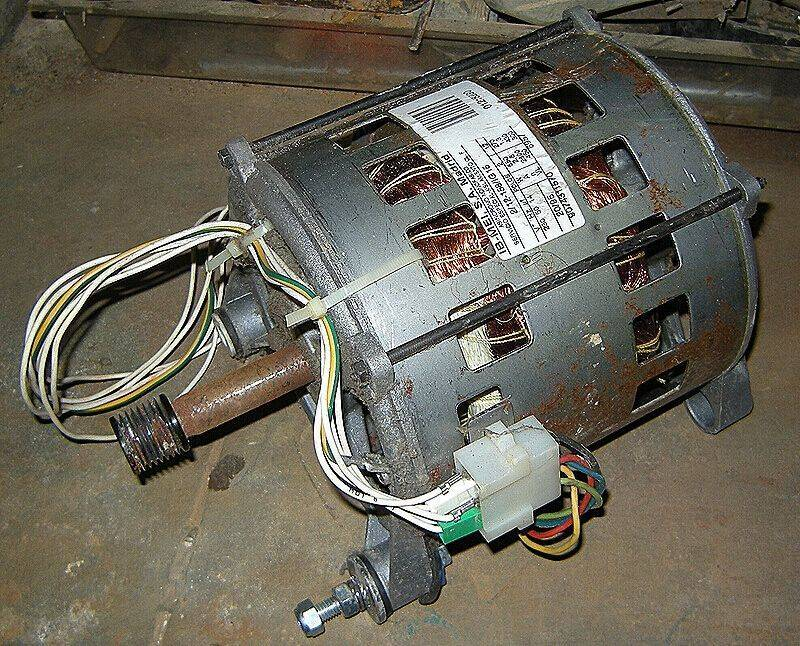 RADIOLA-moteur03.JPG